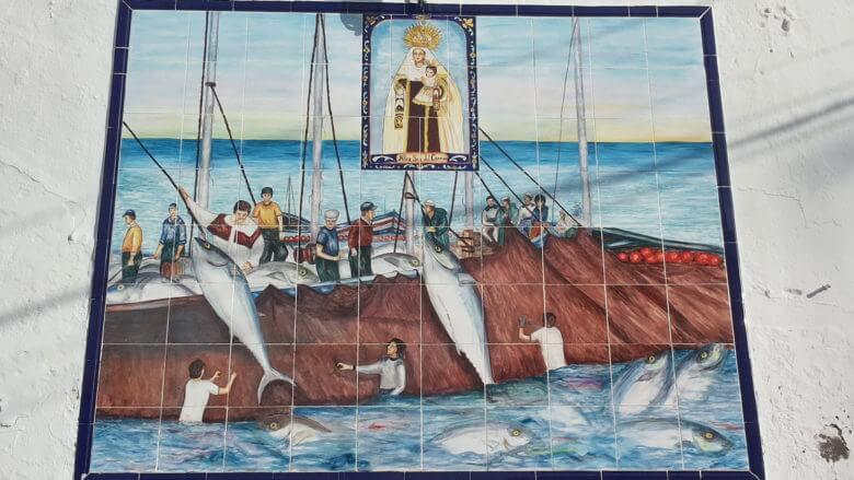 Thunfischfang auf Kacheln dargestellt