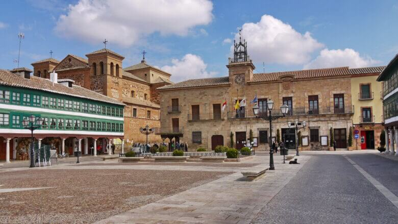Kirche San Agustín und Rathaus
