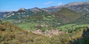 """Arenas de Cabrales: Das """"Käsedorf"""" in den Picos"""
