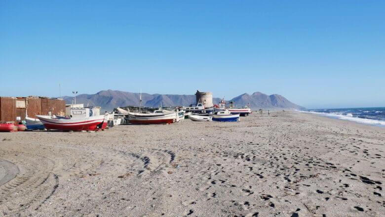 Fischerboote am Strand
